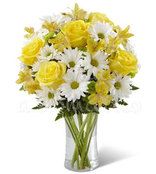 bouquet-di-rose-gialle-e-margherite