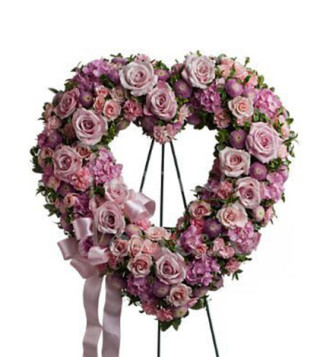 corona-funebre-a-cuore-di-rose-rosa-e-fiori-viola