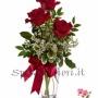Fiori a domicilio: tre rose rosse