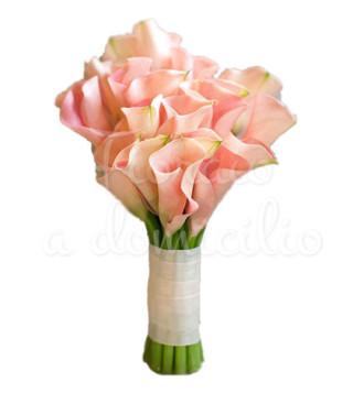 Fiori a domicilio: bouquet di calle rosa