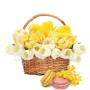 cesto-di-tulipani-con-macaron